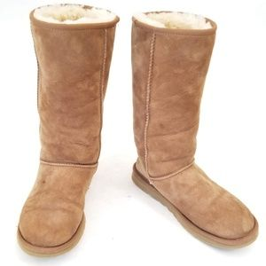 UGG Tall Classic 5815 Suede Fleece lined size 8